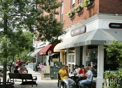 Looking south on Main Street, Hanover, NH