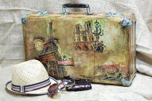 Винтажный декор чемодана