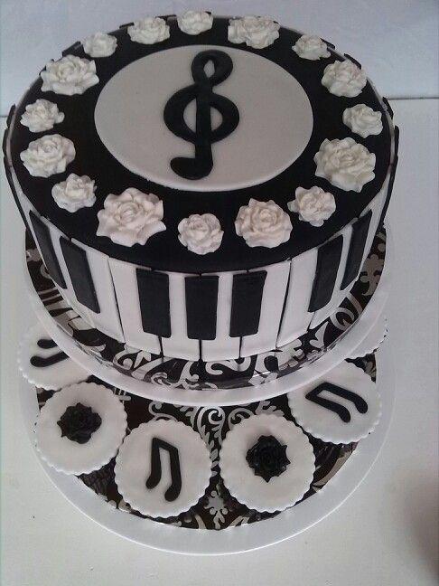 Black&white piano