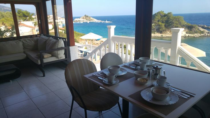 Breakfast on the terrace vith sea view