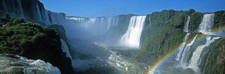 """Cataratas del Iguazú : Conocé la leyenda del Arco Iris En las Cataratas de Iguazú, localizadas en Puerto Iguazú, provincia de Misiones, en el atractivo más imponente denominado """"Garganta del Diablo""""  los días soleados se puede observar de manera permanente un arco iris que llama la atención de todos los turistas y en torno a el hay una leyenda que atrapante."""