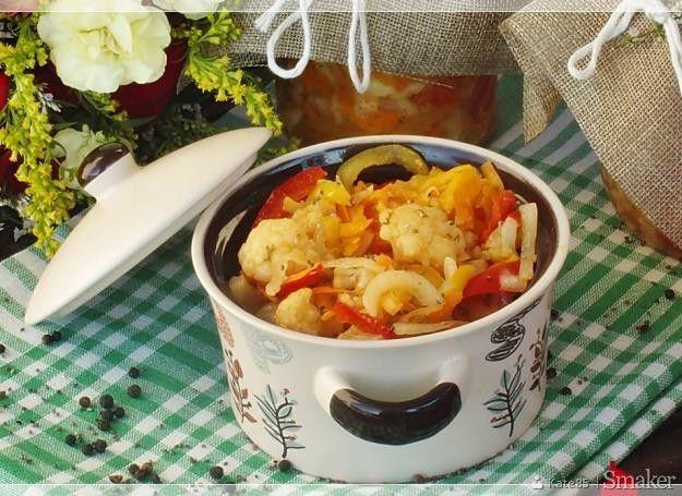 Sałatka z kalafiora delikatesowa - do słoików na zimę