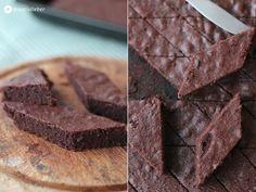 PAMK Froh und lecker: Weiche Schokoplätzchen oder saftiger Schoko Blechkuchen