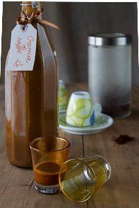 Liquore cremoso al caffè. La ricetta per prepararlo. Un'ottima idea regalo per Natale fatta in casa.