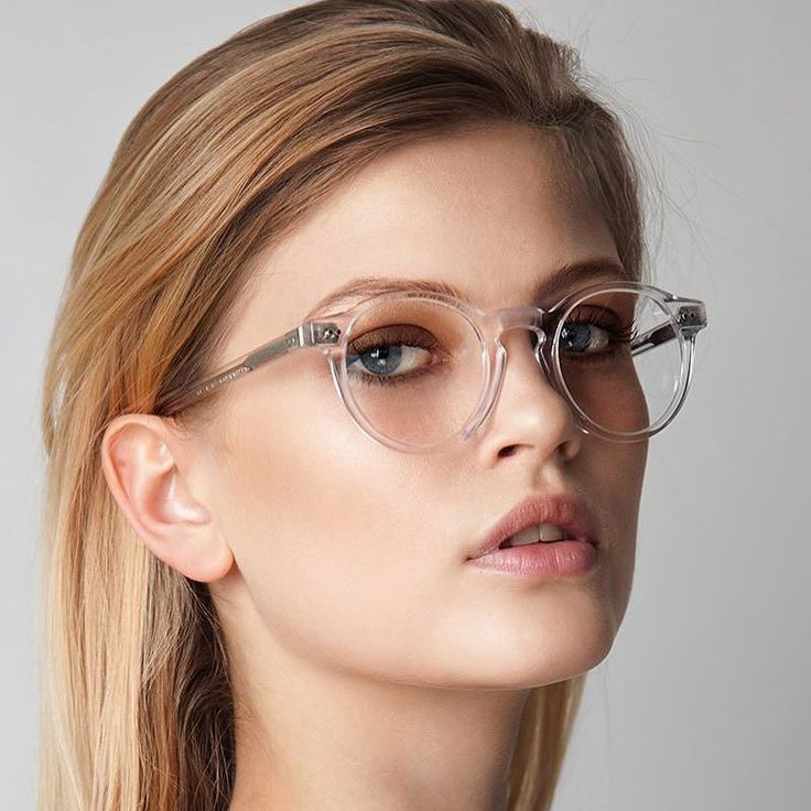 Model H117 in crystal color handcrafted in #Rome from premium cellulose acetate. #eyeglasses #madeinitaly #handcrafted #italiandesign #madeinrome #love #girl #beautiful #summer #picoftheday #bestpic #photooftheday