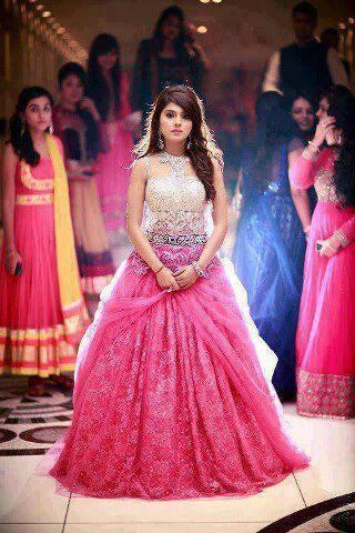 The Indian girls pink dress so beautiful