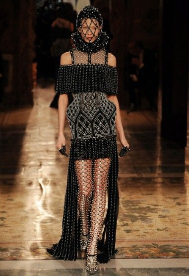 1000 images about tudor inspired fashion on pinterest for Mac alexander mcqueen