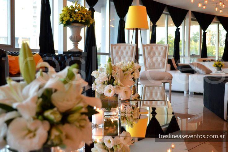 Ambientación de boda moderna. Recepción # Modern wedding decoration # Salón: Queens Bar # Ambientación realizada por Tres Lineas Eventos # Rosario, Santa Fe.