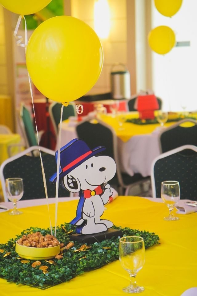 Nicholas' Snoopy and The Peanuts Gang Themed Party – Table Centerpiece
