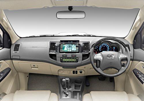 Toyota-Fortuner-Dashboard http://www.carkhabri.com/carmodels/toyota/toyota-fortuner