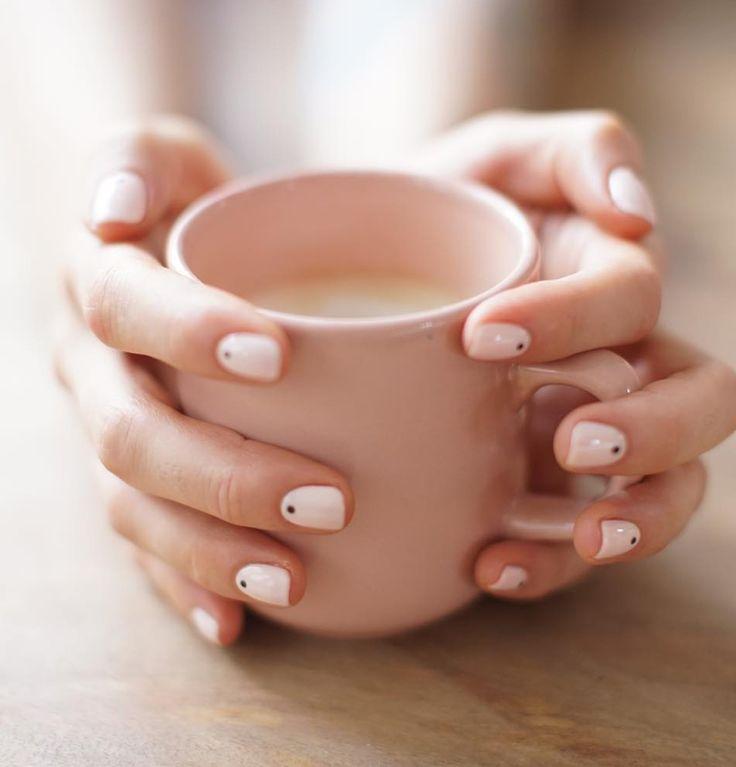Minimal dots nails.