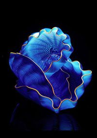 Dale Chihuly glass sculpture