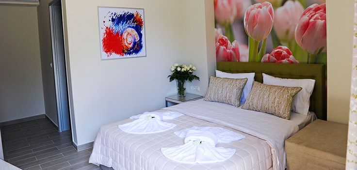 Studio 6 is the last first floor studio and is themed with flowers and subtle cool shades. The comfortably furnished balcony is perfect and gives you another space to enjoy a drink or meal, morning, noon or night! The multi-coloured bathroom has an enclosed semi-circular shower, wc and hand basin. The small kitchenette has everything you need to prepare a snack or drinks.