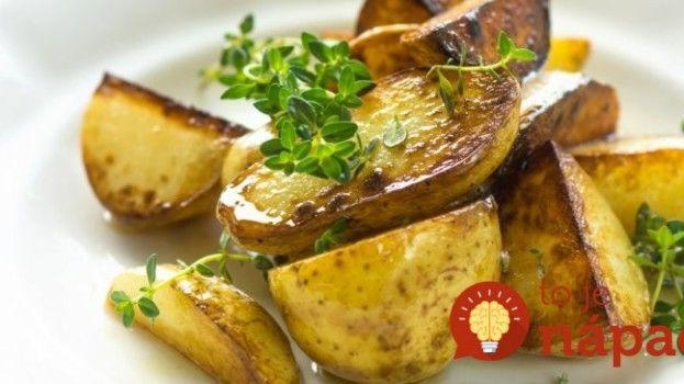 Tajomstvo prípravy najlepších pečený zemiakov: Pridajte túto surovinu!