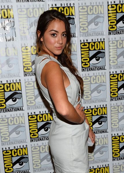 """Chloe Bennet Photos - Actress Chloe Bennet attends """"Marvel's Agents Of S.H.I.E.L.D."""" Press Line during Comic-Con International 2013 at Hilton San Diego Bayfront Hotel on July 19, 2013 in San Diego, California. - """"Marvel's Agents Of S.H.I.E.L.D."""" Press Line - Comic-Con International 2013"""