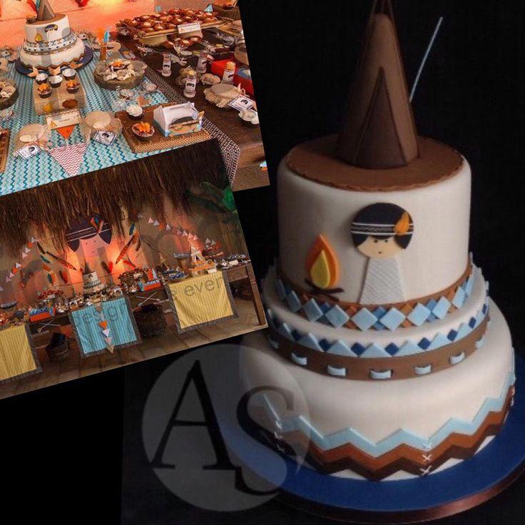 One little indian boy cake! =o) Um pequeno indiozinho em um grande bolo! =o)