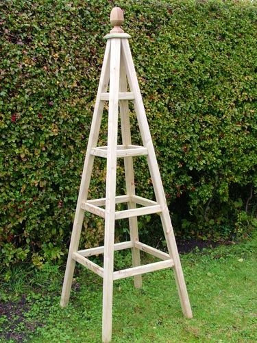 garden obelisk - wouldn't this be super-cute with a pineapple on top?