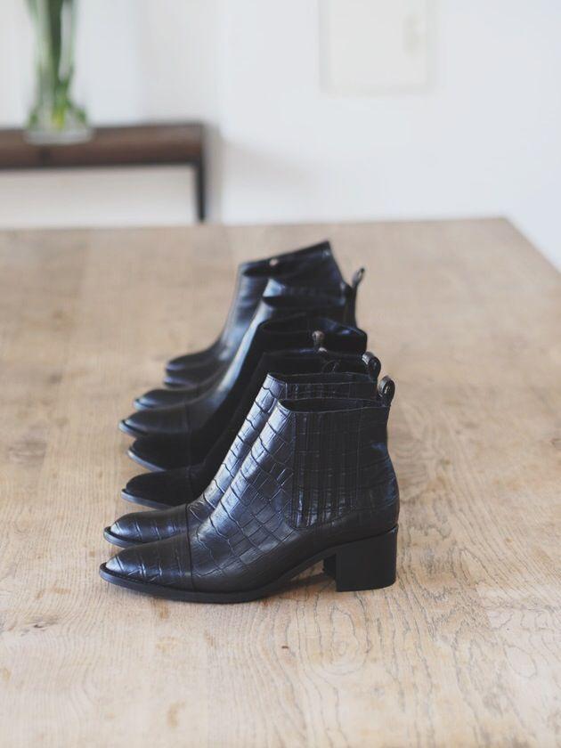 Hello Ankle Boots! Jeg la ut noen bilder fra Bianco by Camilla Pihl kolleksjonen på Instagram i helgen. En bitteliten sneakpeek på et par av ankelstøvlettene. Da kan jeg ikke være dårligere her på bloggen! Så en liten smugtitt er på sin plass her også. Here you go! Merker det kiler i hele kroppen. Jeg