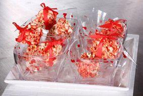 PALOMITAS DE MAÍZ CON MASMELOS Derrite mantequilla con masmelos, añade la gelatina y dale color a tus películas.