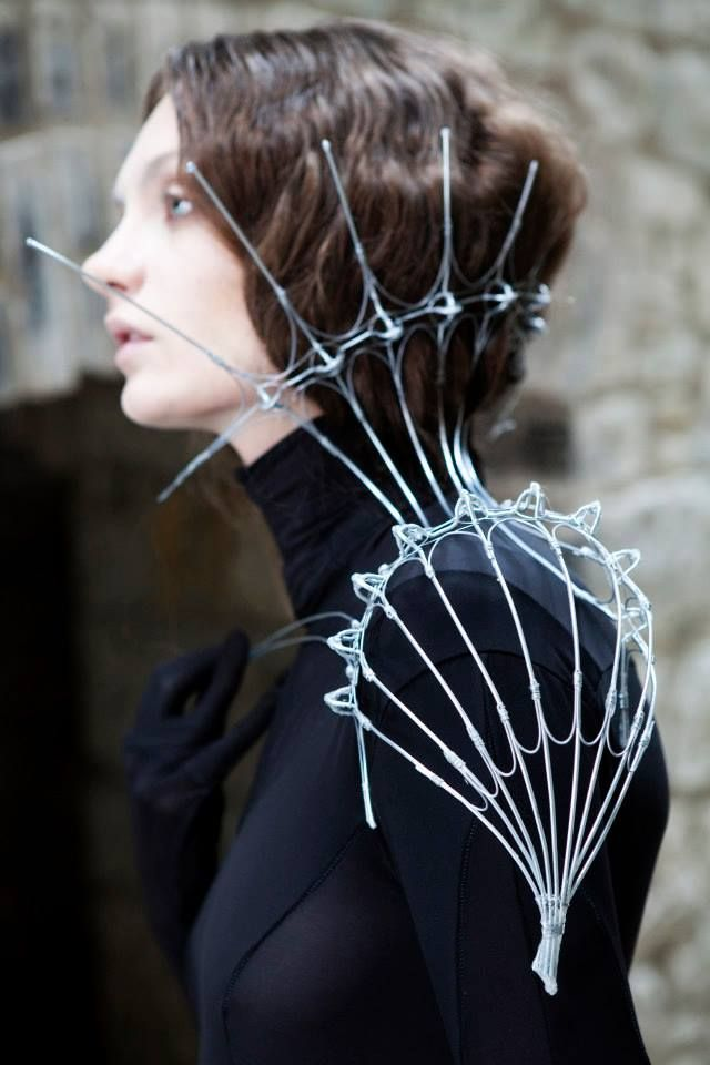 Wire sculpture shoulder piece with extended collar detail - dramatic body jewellery; wearable art // Nika Danielska