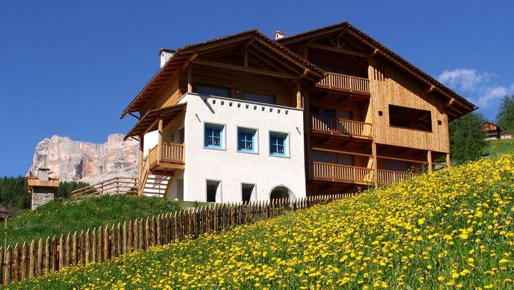 Booking.com: Apartments Serghela - San Cassiano, Italia