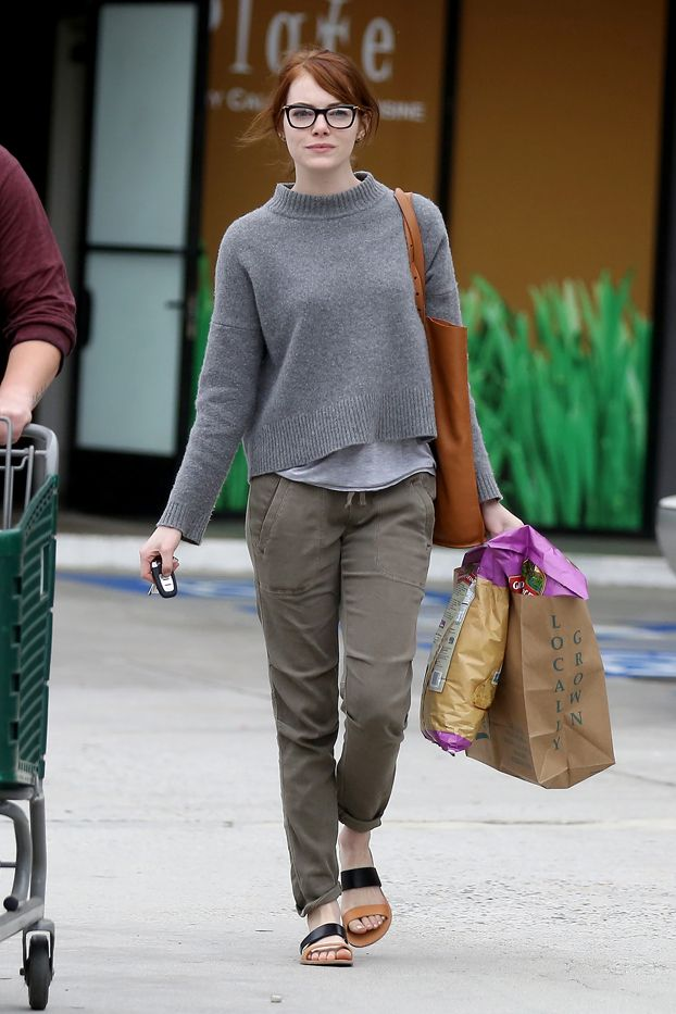How does Emma Stone look so adorable while grocery shopping?