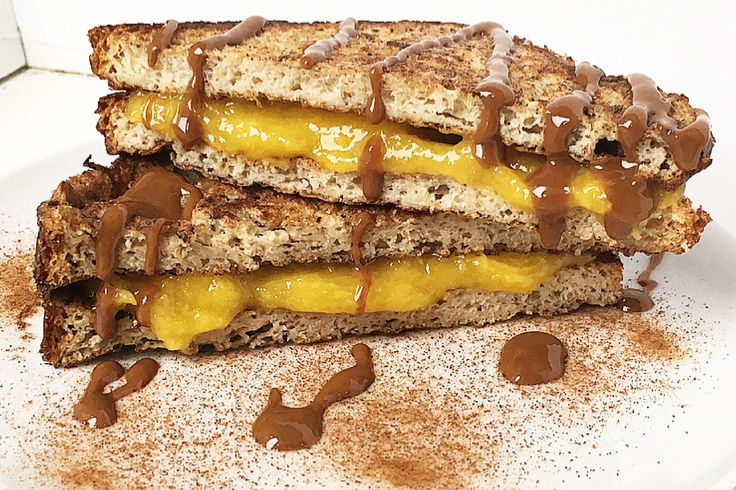French toast alla cannella e carrube con crema al mango - Delicious Breakfast