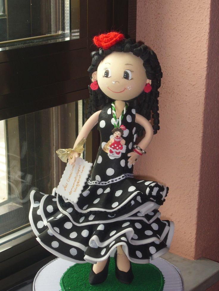 Fofucha sevillana totalmente personalizada , elaborada en goma eva y pintado los lunares uno a uno. elenamartinlopez.blogspot.com