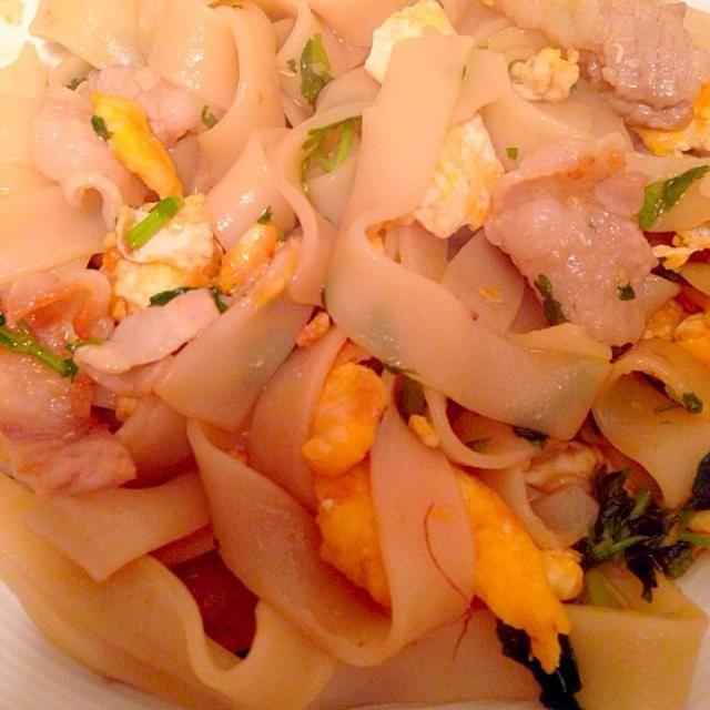 パクチー、卵、豚肉、フォー、ナンプラー - 4件のもぐもぐ - フォー炒め by yuukisugawara
