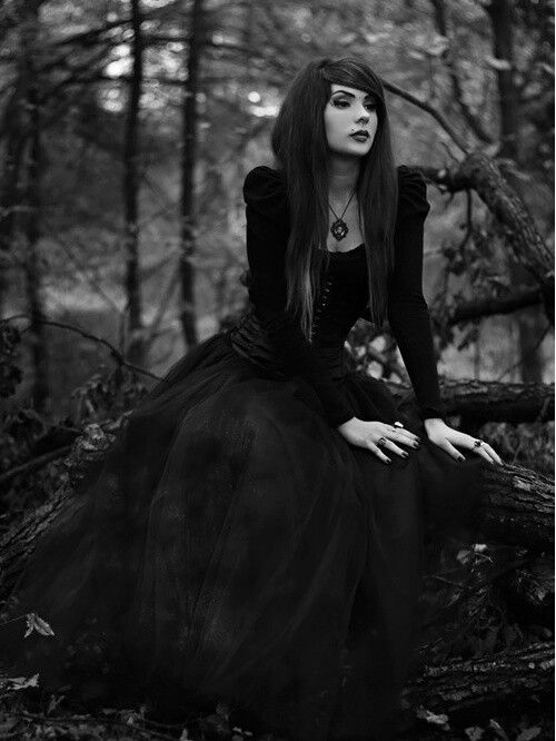 women in gothic literature Gothic fiction, also called as gothic horror, is a genre or kind of literature  the  depiction and treatment of women in gothic literature has been different in.