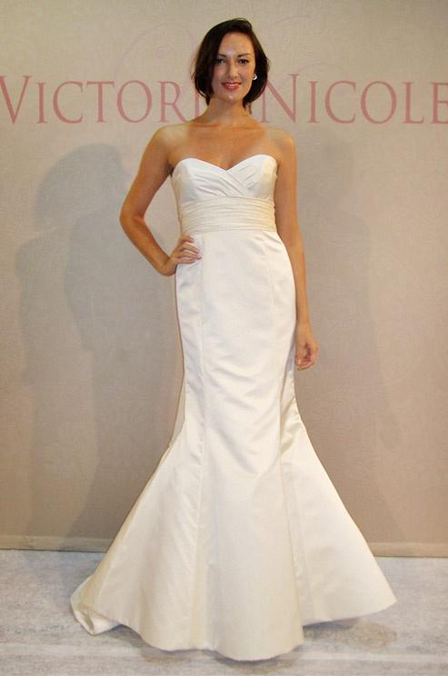Trumpet Silhouette Victoria Nicole Wedding Dress Spring 2017
