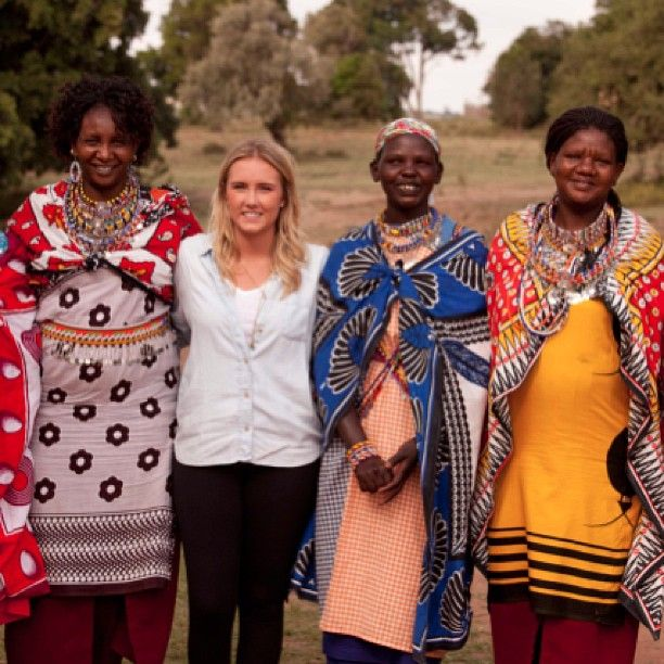 Posing for a shot after beading with these #amazing mamas in #Kenya. #travel #volunteer #metowetrips