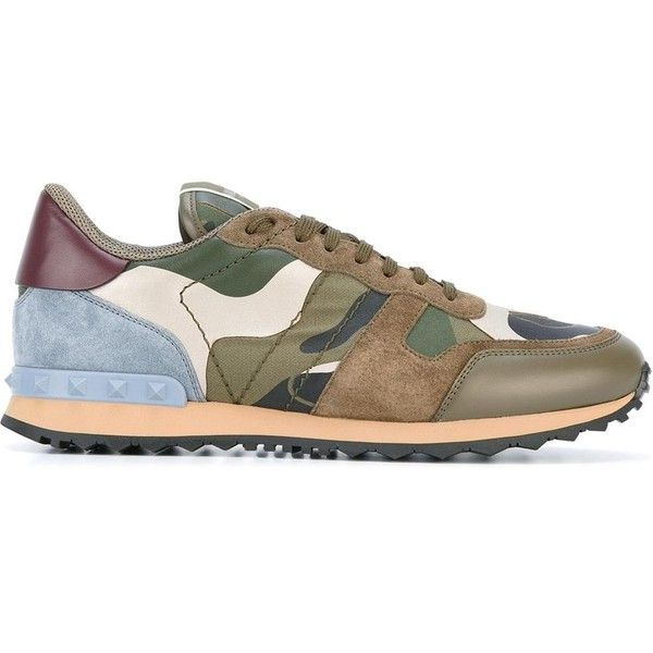 Valentino Garavani Leather Camouflage-Print Sneakers (7.940.585 IDR) ❤ liked on Polyvore featuring men's fashion, men's shoes, men's sneakers, army green, valentino mens sneakers, mens camo sneakers, valentino mens shoes, mens leather shoes and mens camo shoes