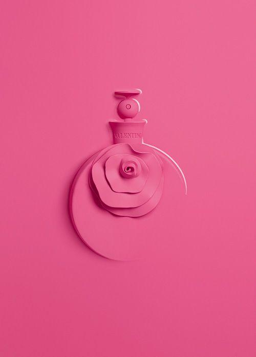 ヴァレンティノの新作香水「ヴァレンティナ ピンク」桃色の花を添えた、ユーモア溢れるパッケージ | ニュース - ファッションプレス