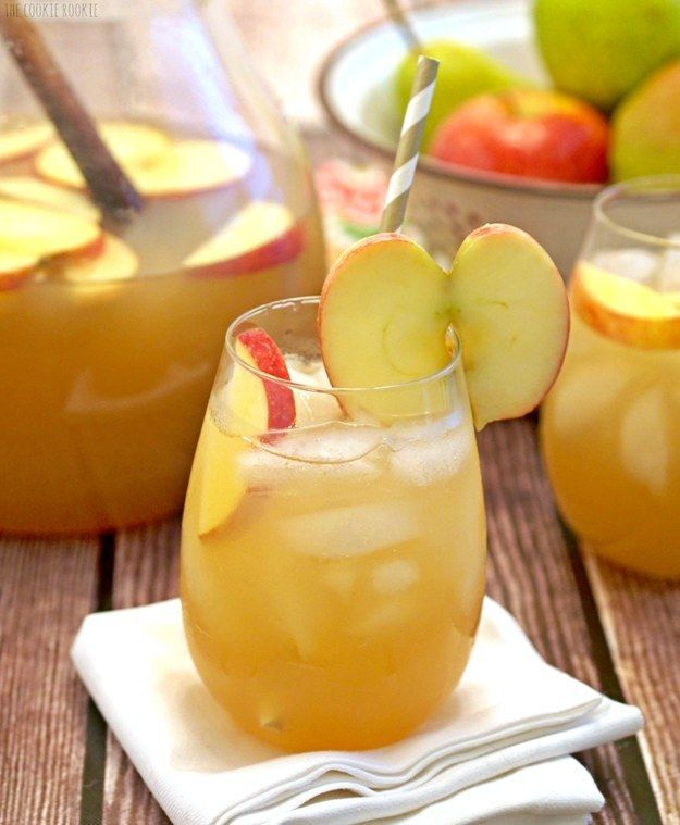 Apple Pie Punch | Community Post: 38 Cozy Cocktails Guaranteed To Warm You Up This Fall