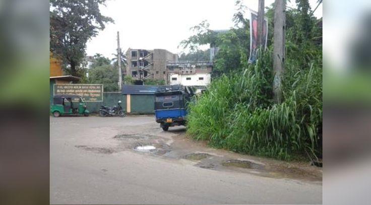 https://mylankaproperty.com/properties/commercial-land-sale-rathnapura-town/ New property (Commercial land for sale at Rathnapura town) has been published on Sri Lanka Properties