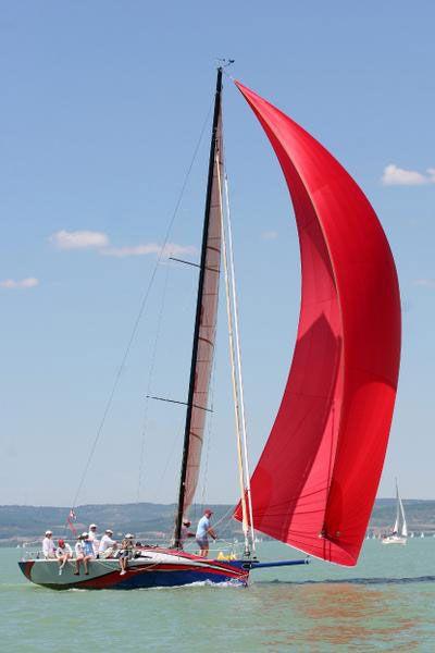 The 35XS - Van Gorkom Yacht Design