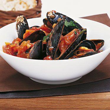 Mussels with tomato sauce recipe   kitchen gods   – frutti di mare
