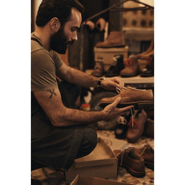 Our quality control!  Visit the shop in Barcelona: calle Mercaders, 11 (in El Born) open from 14h-21h. Contact us on: +34 603199498/931793108. info@urbanshepherdsboots.com  www.urbanshepherdsboots.com  #urbanshepherds #leather #leathergoods #boots #traditional #style #caferacer #ecofriendly #handmade #fashion #craftsman #shoemaker #bootmaker  Photo by: @okeedokee.co