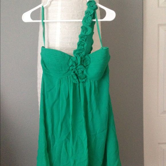 FINALBCBG Maxazria emerald dress BCBG maxazria emerald chiffon dress, one shoulder. NWT. Trade/PP ✅Bundle. Make me an offer! BCBGMaxAzria Dresses One Shoulder