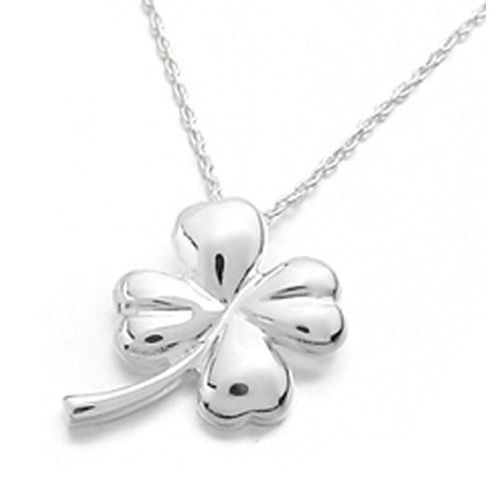 I love this four leaf clover necklace!