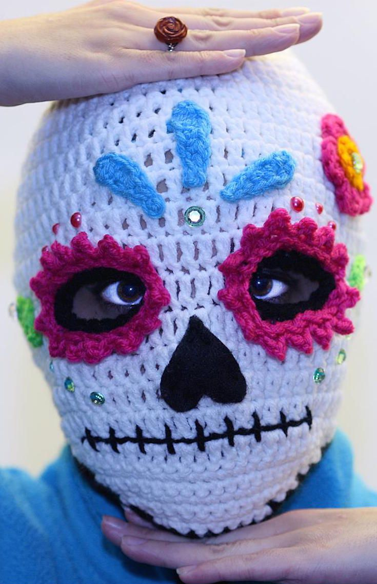 10 Crochet Skull Pattern (feat. this Sugar Skull Crochet Mask intended for skiing, but also a good choice of costume for a chilly Halloween night out)