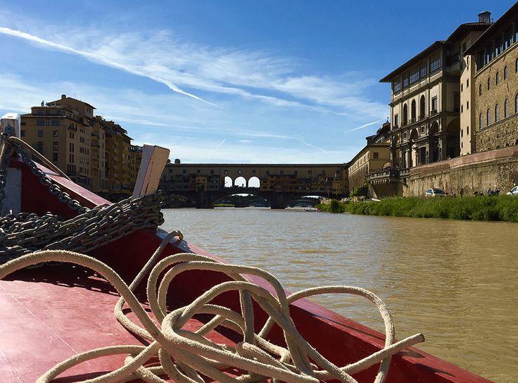 in barca sull'Arno
