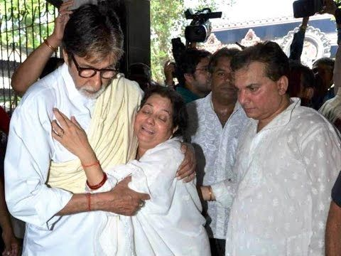 WATCH Amitabh Bachchan attends Aadesh Shrivastava's FUNERAL. See the full video at : https://youtu.be/UDULRA0pETA #amitabhbachchan #aadeshshrivastava