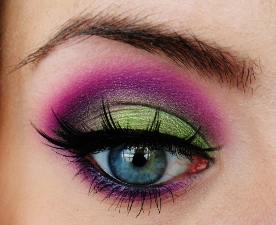 Used Poison Plum in the crease, Dollipop along the purple, Corrupt to darken the crease. And Absinthe on the lid.: Purple Eyeshadows, Complimentary Color, Bright Color, Color Full, Bright Green, Makeup Eye, Bold Eye Makeup, Green Eye, Color Eye Makeup