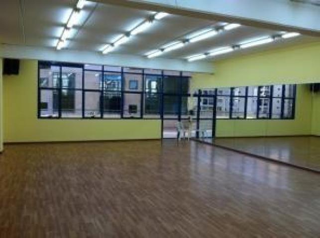 Сдается в аренду танцевальный зал 100 кв.м. после евро ремонта! Танце