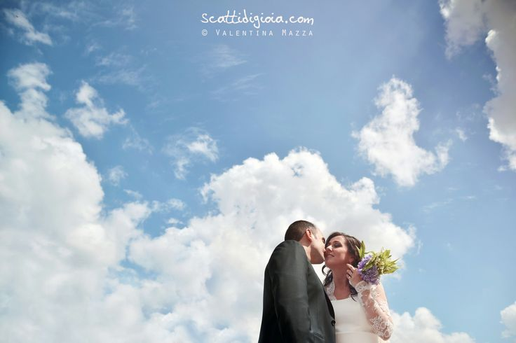 www.scattidigioia.com Bride and Groom, on a beautiful and pure sky, just like their love
