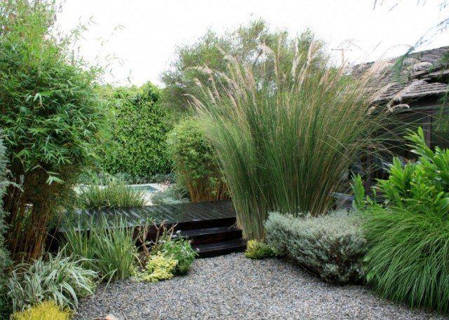 aménager-jardin-terrasse-graminées-ornement-bambou-cailloux