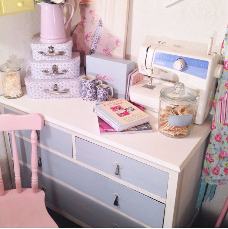Why not give yourself a uplifting project by upcycling an old piece of furniture and get that shabby chic vintage look by using Americana chalk paint available in all colours from Blyth Craft Studio!
