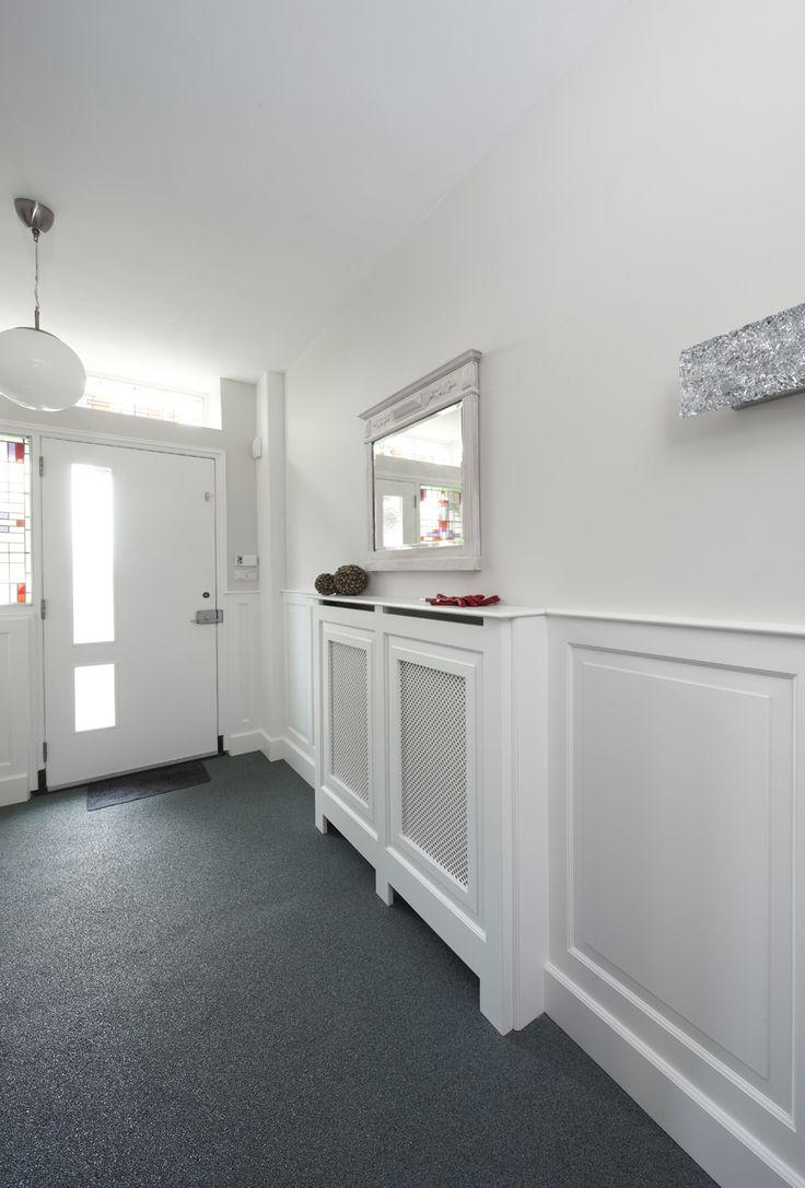 17 beste idee n over lambrisering badkamer op pinterest kraal boord badkamer doucheruimtes en - Idee gang ingang ...